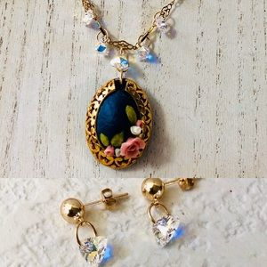 Polymer roses and Swarovski gold necklace set